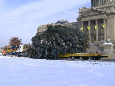 Giant Christmas tree arrives at Idaho Capitol on Trail-Eze Trailer